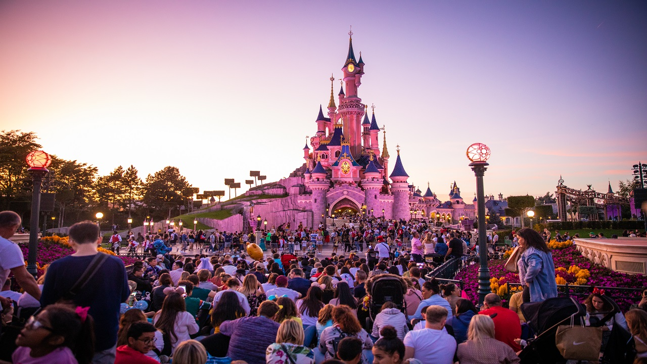Coronavirus Concerns Haven T Closed Disneyland Paris Despite Ban On Public Gatherings Of More Than 5 000