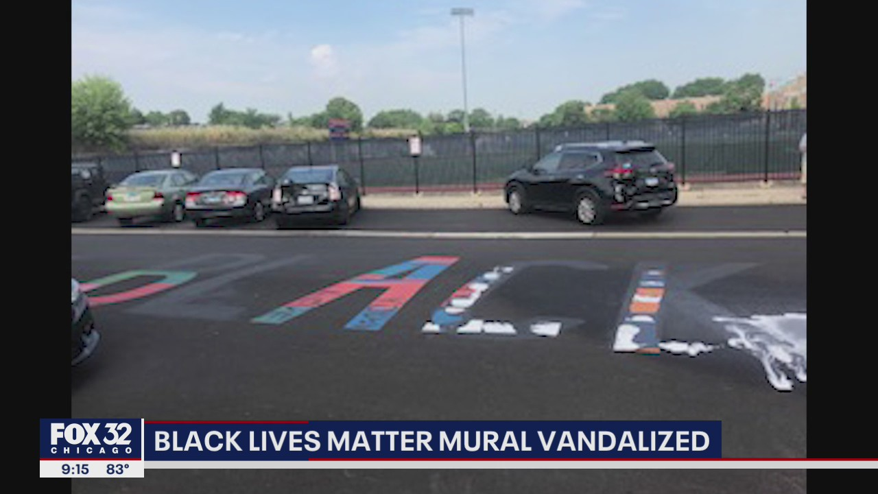 Vandals Alter Blm Mural In Oak Park To Say All Lives Matter